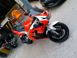 Heavy sports bike Yamaha exup 1000 in stock condition!