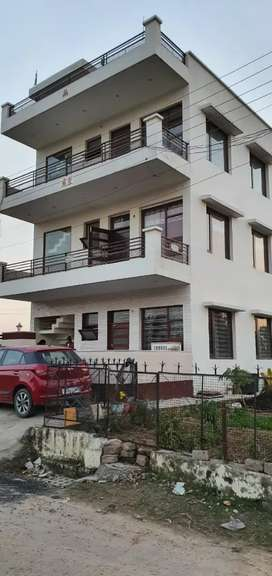 A kothi in sec 27 PANCHKULA available for rent