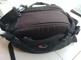 Jual tas kamera lowepro, warna hitam