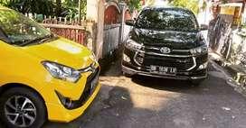 Rental mobil lepas kunci atau plus sopir