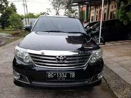 Toyota Fortuner diesel tipe G M/T thn 2012.