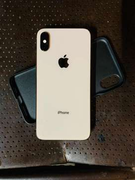 Iphone xs gold 64 gb full great condition
