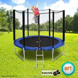 8 ft Trampoline with net