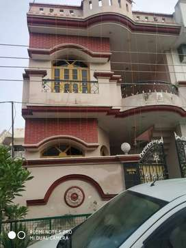 Good Maintained House For Rent.