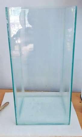 vertical size fish tank