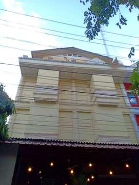 Dijual Ruko 2 Gandeng, Bangunan (4 lantai) di Balikpapan Kota!!