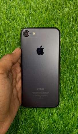 I Phone 7 128 GB Black 100% Condition