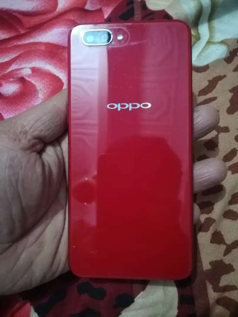 oppo a3s new condition lady hand use... 0