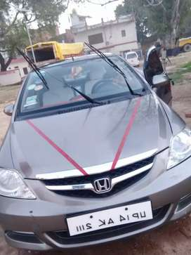 New  condition Honda city  car