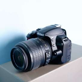 NIKON D3100 LIKE NEW