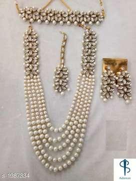 Checkout this hot & latest Jewellery Set Women's Kundan
