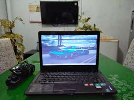 LAPTOP LENOVO Y460, CORE i5, RAM 4GB, VGA ATI RADEON + INTEL HD GAMING