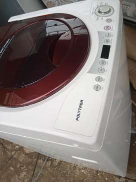 Di jual mesin cuci otomatis merek LG kondisi seperti baru