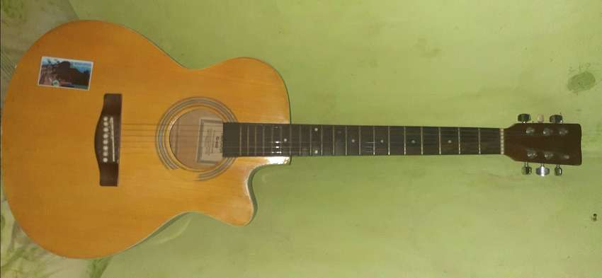Gitar yamaha costum 0