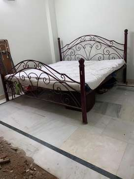 King XXL 6'6 X 6'4 Bed