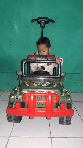 Di jual mobil mobilan anak