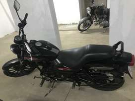 Bajaj Average 220 very well maintained and as good as new