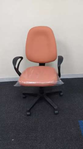 Brand new rolling chair
