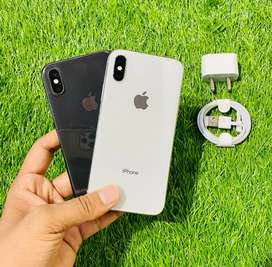 iPhone X - 64 GB - white nd black color - condition like new - full kt