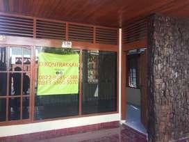 Dikontrakan rumah 2 lantai - dipusat kota Makassar