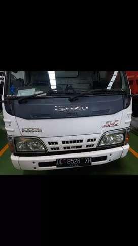 Isuzu light truck box