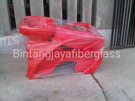kursi keramas fiber warna merah