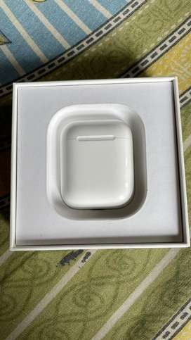 Apple airpods 2 with a mint and fine condition