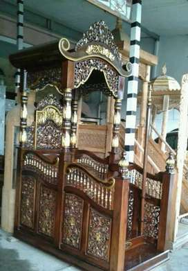 Mimbar masjid kubah pintu depan