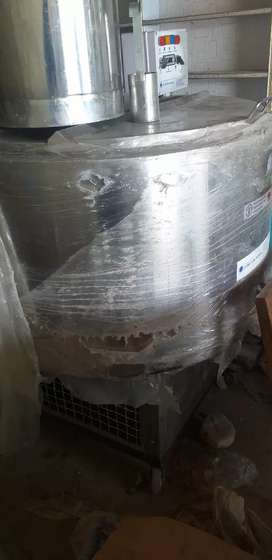 Milk chiller, milk freezer
