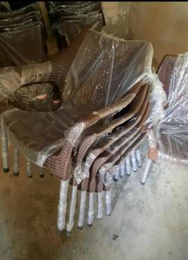 plastic chairs + table