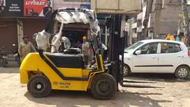 Forklift 3ton availble for rental service in all over delhi ncr