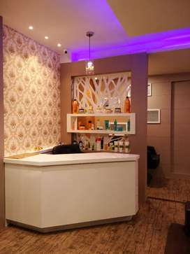 Well furnished unisex saloon for rent