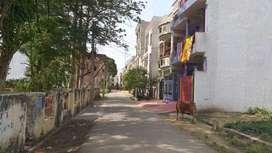 park facing plot is in vikalp khand 3