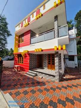 Oorutambalam new house for sale near main road