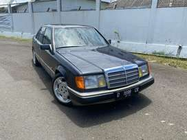 Mercedes W124 300E 1992 Two tone Fresh