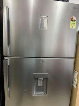 523 liters samsung dubble door with 1 year warranty second sale