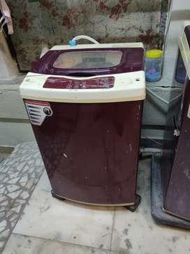 Washing machine 5.5 kgs good working condition