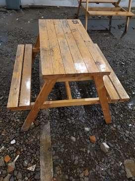 Meja kayu set dan meja plastik lapis kaca set