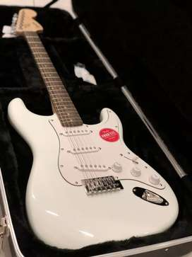 Termurah!! Squier Affinity Stratocaster with Laurel FB in Sonic Blue