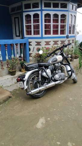 Classic Royal enfield, price may be negeotiate