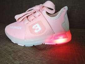 Sepatu cewe anak LED bisa nyala