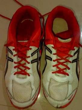 Sepatu badminton..ukuran 40
