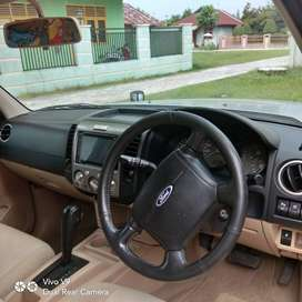 Ford everest Limited 4x2 diesel