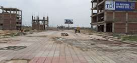 Commerical showroom built up 1600 sq feet in Tdi city sector 119 Mohal