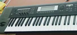 Korg TR 61 for sale. Good instrument. All tracks and Pcg files free.