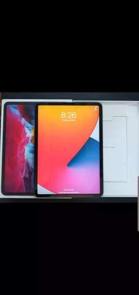 iPad pro - 2020- 2 days used - 256gb wifi only