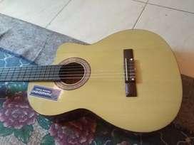 Gitar klasik merek shen shen