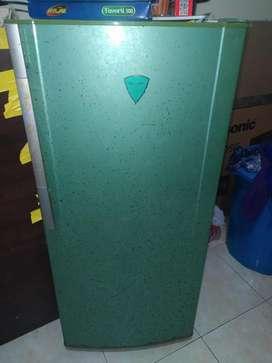 Freezer 6 rak merk Sharp
