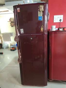 Samsung 345 Ltr  double doorfridge cndn