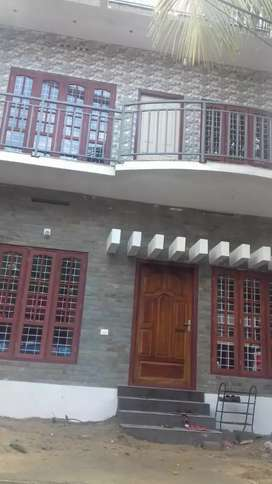3 storied building with 7 bhk for sale near desabhimani